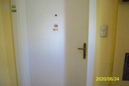Wohnung oder Büro im 2. Stock ohne Lift mit ca. 100 qm günstig zu Mieten!