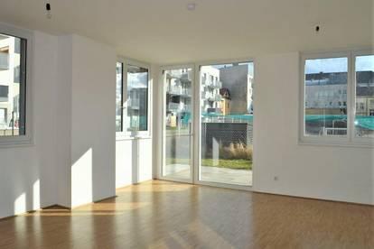 TERRASSENHIT! Maximilianstraße, klimatisiertes 64 m2 Erdgeschoß mit 70 m2 Terrasse/Garten, 2 Zimmer, Komplettküche, Duschbad, Parketten