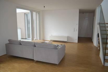 MAXIMILIANSTRASSE! PROVISIONSFREI! DACHGESCHOSS! Erstbezug, klimatisiertes 117 m2 Dachgeschoß mit 94 m2 Terrasse, 4 Zimmer, Komplettküche, 2 Bäder; exclusive Ausstattung, Fernblick!