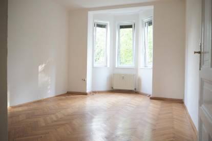 Römerberg! Schöne Altbauwohnung, 116 m² WNFL + Balkon + überdachte Veranda, 3 Schlafzimmer, WG geeignet!