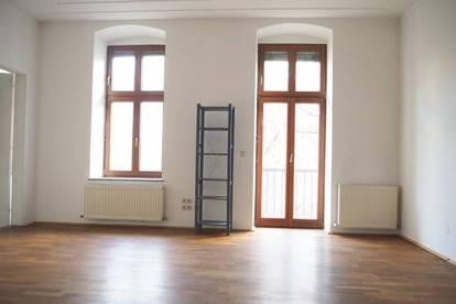Gepflegte schöne Altbauwohnung im Zentrum! 77,48 m² WNFL + Balkon, 3 Zimmer, Küche gegen Ablöse! Nähe Landstraße/Straßenbahn!