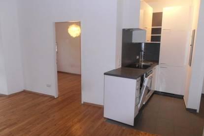 Enns Stadtplatz, entzückende Altbauwohnung, 2 Zi.- 37 m² Wnfl. inkl. neuw. Küche im 2. OG