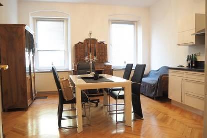 Nähe Lentia! Sehr schöne 77 m² Altbauwohnung mit hochwertiger Küche, Kaarstraße, Parkplatz optional!