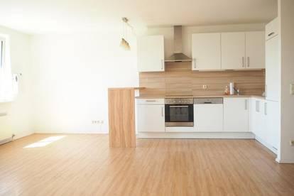 Sonnige 57 m² mit hochwertiger Küche (ohne Ablöse) nähe Musiktheater, 4. Liftstock! Parkplatz optional!