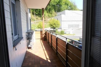 Stadtrandwohnung Linz/Urfahr, 4 Zi., 105 m² WNFL inkl. Parkplatz und Balkon, WG - geeignet, Bushaltestelle vorm Haus