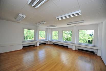 Schöne Bürofläche in der Alpenstraße zu vermieten ! / Beautiful office space in Salzburg for rent !
