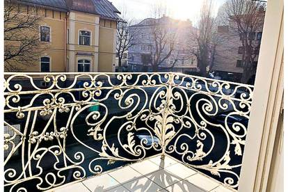 entzückende 3 Zimmer Altbauwohnung mit Balkon in der Riedenburg Salzburg Stadt