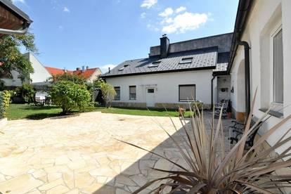 Ruhige 3-Zimmer-Wohnung! Hofseitig mit großem Garten!