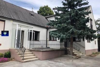 Landhaus mit 1780m² Grund mit vielen Nebengebäuden - 0010790