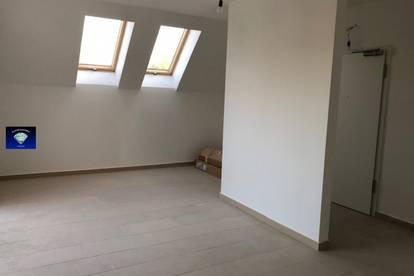 Neue Wohnung mit großer Terrasse, Lift im Haus - 013069