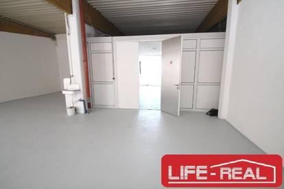 große, gepflegte Lagerhalle in Pasching