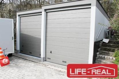 zwei neu renovierte Garagen in Puchenau