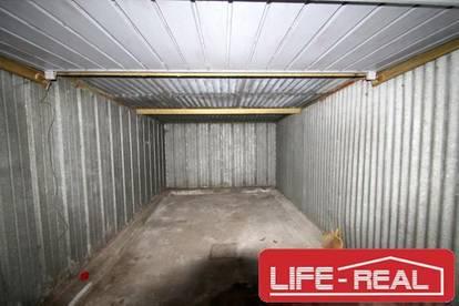 Garage bzw. Lager in Linz-Urfahr im Innenhof eines Mehrparteienhauses