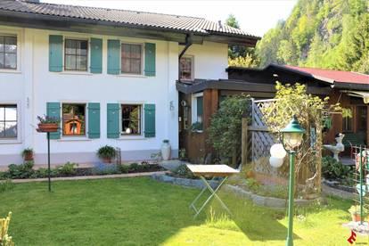 idyllisches Wohnhaus im Montafonerstil