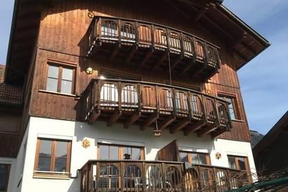 traumhafte 4-Zi.-Dachgeschosswohnung mit Balkon