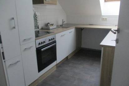 4-Zimmer-Dachgeschoss-Wohnung mit Küchenblock in Bruck/Mur !
