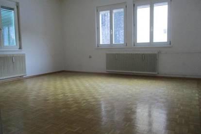 Ruhige 3-Zimmer-Wohnung mit Küchenblock und kleinem Balkon in Thörl !