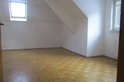 Kleine Dachgeschosswohnung in Thörl nahe Kapfenberg !