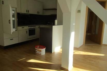 Günstige 2-Zimmer-Dachgeschosswohnung mit Küchenblock in Krieglach !