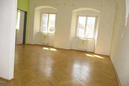 Zentrale 2-Zimmer-Altbauwohnung mit Küchenblock in Kapfenberg !