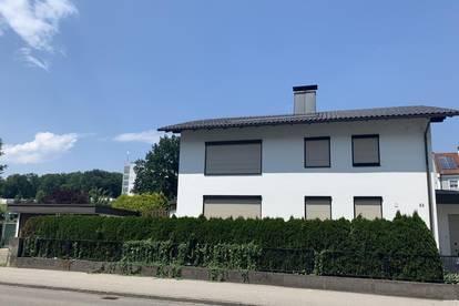 Stadthaus inklusive Arztpraxis/Büro mit großzügigem Garten in Amstetten!