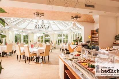 4 * BOUTIQUE-HOTEL nahe Thermenregion ZU VERKAUFEN - 19 Zimmer, Wellness, Grundstück über 23.000 m2!