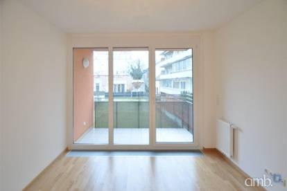 Helle Neubau-Wohnung mit Balkon in Grünruhelage, Nähe Obkirchermarkt