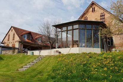 8502 Lannach -Zentrum: Wohnhaus mit ca. 90 m² Wfl. und Nebenhaus mit ca. 110 m² überdachte Autoabstellplätze und 1567m² Grund u. Wohnhaus mit ca. 110m² Wfl. u. 751 m²Grund