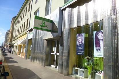 21, Brünnerstraße, ehemaliger Friseursalon
