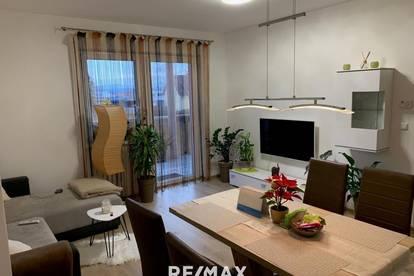 schöne neue Wohnung mit großer Terasse