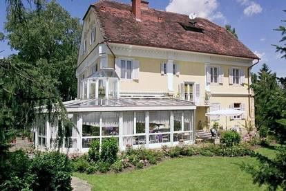 Betriebsbereite Frühstückspension Rosen-Villa