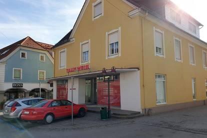 Wohn- und Geschäftsgebäude im Zentrum