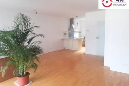Hochwertige 4 Zimmer Neubauwohnung mit Balkon und Fernblick !