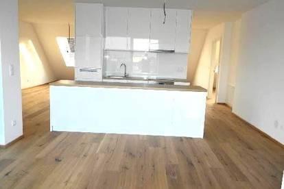 Moderne und großzügige 113 m² Dachgeschosswohnung + 70m² Terrasse und TOP Anbindung!