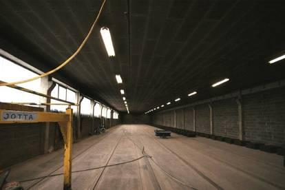 Lagerhalle mit Garage und großem Vorplatz zu vermieten!