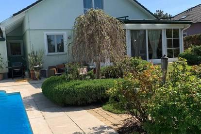 Traumhaftes Einfamilienhaus mit Garten und Pool