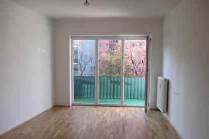 Gepflegte 3-Zimmerwohnung mit Schloßbergblick und Loggia
