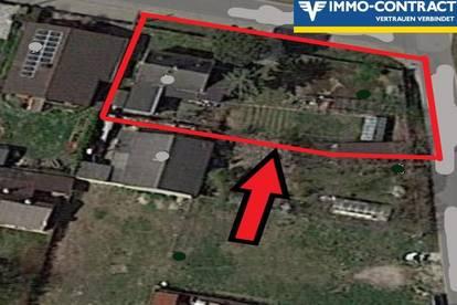 Interessantes Eckgrundstück mit grosser Strassenfront - geeignet für Doppelhaus oder Villa !