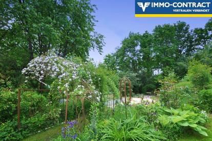 Sie fühlen sich wie alleine, in terrassiertem, 18 Jahre angelegter Paradiesgarten und U-förmiger Hof - 2 Wohneinheiten möglich