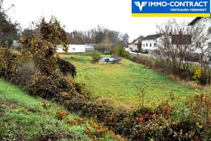 Sonniges Grundstück in einem idyllischen Dorf am Fuße des Günsergebirges.
