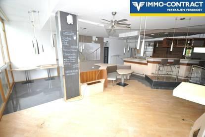 Cafe oder Restaurant im ersten Stock