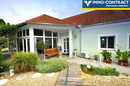 Wunderschön saniertes Landhaus mit Schwimmteich und paradiesischem Garten