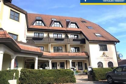 Hotel-Restaurant mit herrlichem Panoramablick - Mitten am Dorfplatz in der Jogllandoase