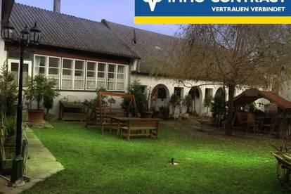 Renoviertes Landhaus mit Western-Stadel und zwei winterfesten Blockhäusern