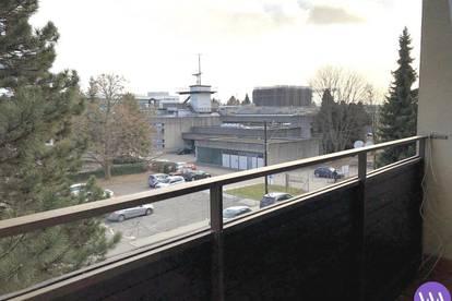3-Zimmer-Wohnung mit Balkon neben TU - !!! *WG-tauglich*