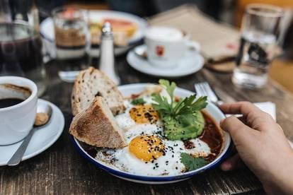 COOLES TRENDY CAFEHAUS & FRÜHSTÜCKS- & MITTAGSLOKAL MIT EIGENER PATTISERIE