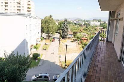 Wunderschön sanierte Wohnung mit großem Balkon in Liebenau!