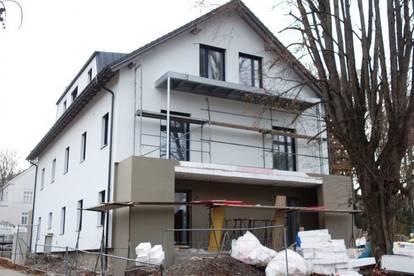 ERSTBEZUG NACH TOPSANIERUNG - Schöne 2 Zimmer Wohnung mit toller Terrasse (TOP 4- 1.OG)