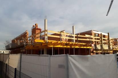 ITH GENIALE GEPLANTE TERRASSENWOHNUNG mit PENTHOUSECHARAKTER! ca. 31 m² SONNENTERRASSE/SÜD/WEST! 96 m² WFL, EXKLUSIVE BAUWEISE! FINANZIERUNGSBERATUNG