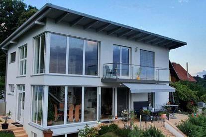 Einzigartiger Wohntraum auf 270 m² mit atemberaubender Aussicht beim Schloss Lustbühel - Pool - Sauna und Wellnessbereich!